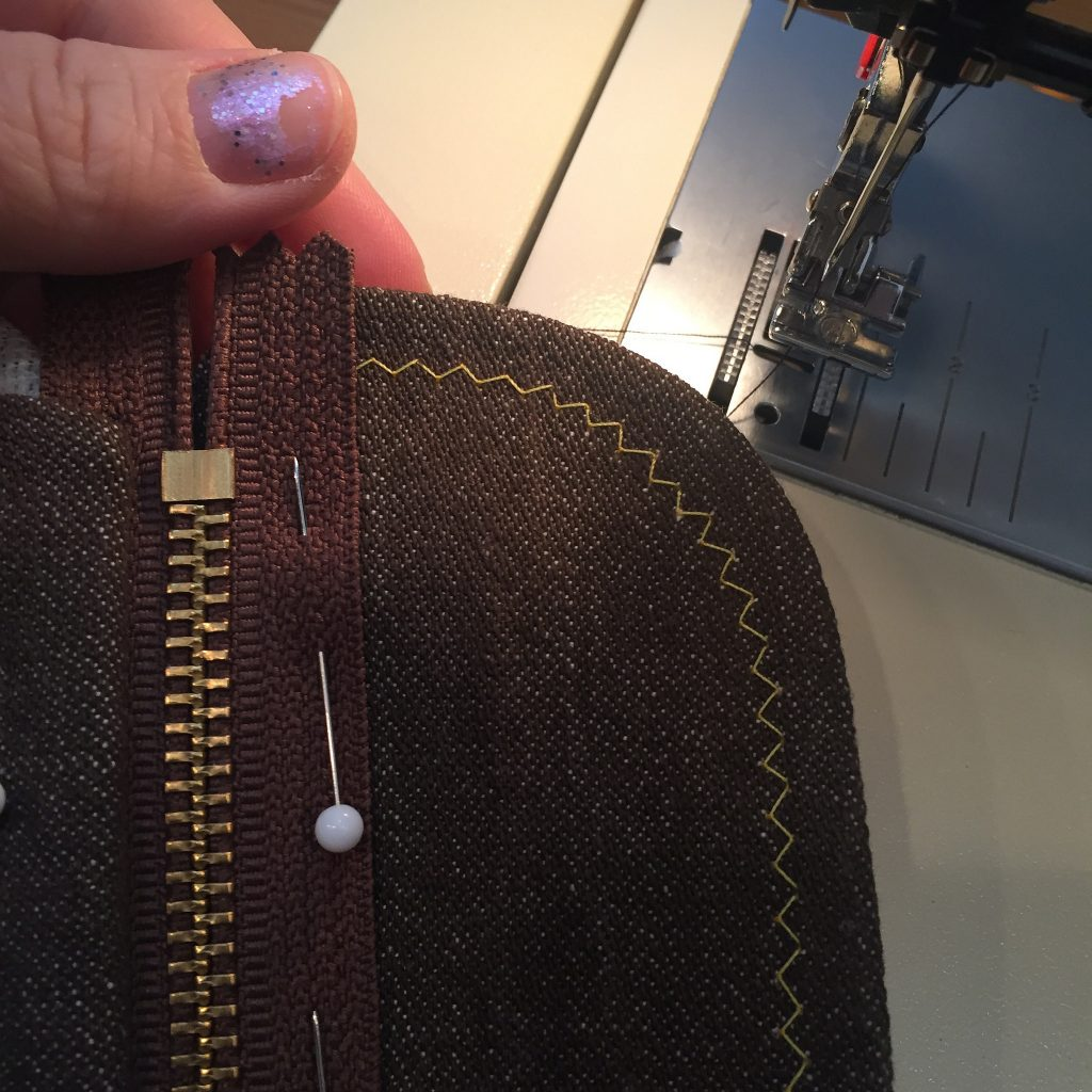 Sewing a zipper on denim