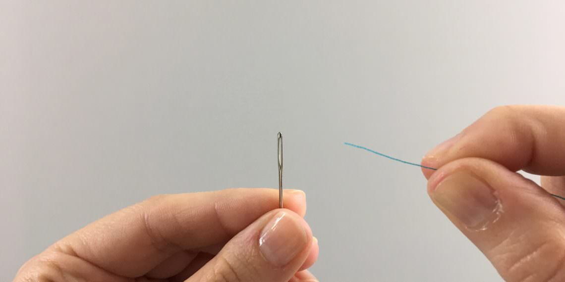 How to Thread a Needle by Hand