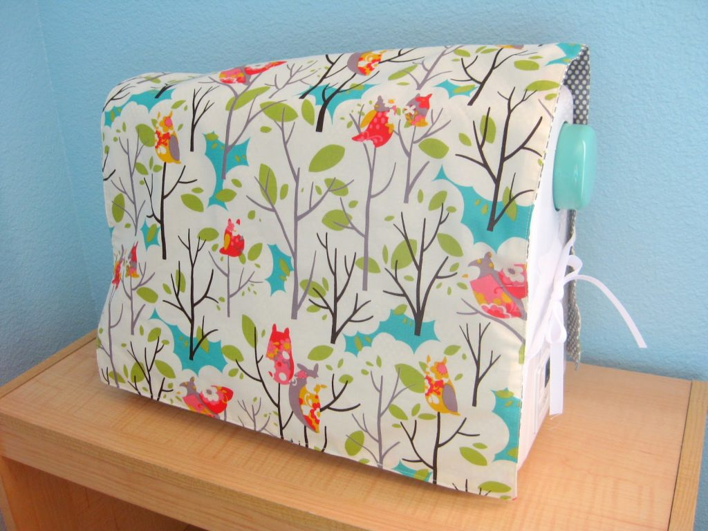 A reversible sewing machine cover